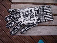 QR Code glove