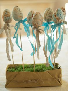 DIY Easter decorations. These are pretty amazing.
