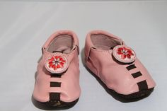 *Shupeas* ~~very interesting idea: shoes that grow with your baby. ~~