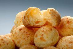 Brazilske loptice od brašna i sira: Predjelo na koje ćete se navući! Appetizer Recipes, Snack Recipes, Appetizers, Cheese Bread, Chips, Dairy, Food And Drink, Potatoes, Baking