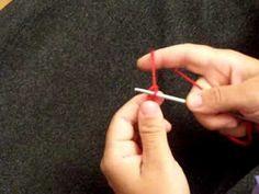Voici un tuto pour apprendre à tricoter, accessible aux débutants et débutantes! De quoi apprendre les points basiques du tricot.