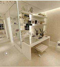 Penteadeira Clean e Moderna (Loved it! Master Bedroom Closet, Home Bedroom, Make Up Studio, Dressing Table Design, Rustic Bedroom Furniture, Decoration Inspiration, Cool Apartments, Closet Designs, Coffee Table Design