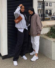 Modest Fashion Hijab, Modern Hijab Fashion, Street Hijab Fashion, Casual Hijab Outfit, Hijab Fashion Inspiration, Muslim Fashion, Mode Streetwear, Streetwear Fashion, Chica Fantasy