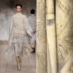 Laura Biagiotti FW 1718   #details   Amazing model @georgina.sto   #LBFashionshow#laurabiagiotti#mfw#mfw17#fw1718#LBTricotyourlife#LBMetamorphosismood