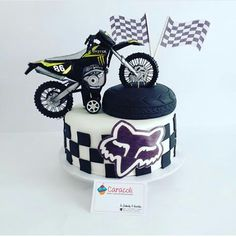 Birthday Cakes, Birthday Ideas, Happy Birthday, Dirt Bike Cakes, Babe, Graduation, Blessed, Birthdays, Sweets