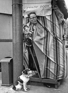 Bert Hardy (1913-1995) … Proffesor Codman … Streets of Liverpool … UK … 1955 … A…
