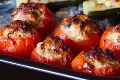 pomodori-ripieni-al-forno Baked Potato, Food And Drink, Stuffed Peppers, Baking, Vegetables, Ethnic Recipes, Club, Cottage, Oven