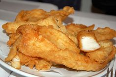 Just eaten the best fried cod ever. Called baccalà fritto in Italian, head to the Jewish ghetto in Rome and drop by Franco and Cristina. Although this image comes from the blog of Luciano Pignataro in Naples, it is scrumptious!