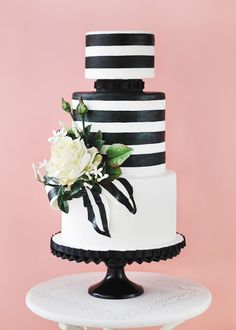 Black and White Wedding Cake inspired Oscar De La Renta's spring 2013 collection taken from Canada's Prettiest Cakes for 2013.