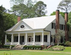 """""""Cottage Gardens"""" built circa 1795 for Spanish appointed governor of the Natchez district. Southern Cottage, Southern Homes, Southern Style, Beautiful Architecture, Architecture Details, House Layout Plans, Antebellum Homes, Georgia Homes, Southern Plantations"""