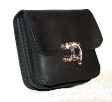 Fekete bőr övtáska, dupla fakkos, horgas csatos, kisebb - leather belt bag Black Leather Belt, Wine, Wallet, Bags, Shopping, Handbags, Purses, Diy Wallet, Purse