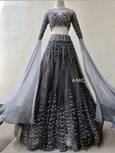 Source by jainmoksha Indian Dress Up, Indian Fashion Dresses, Indian Gowns, Indian Designer Outfits, Designer Dresses, Fashion Outfits, Pretty Outfits, Pretty Dresses, Beautiful Dresses
