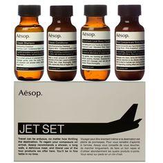 Un jet set kit http://www.vogue.fr/mode/shopping/diaporama/le-kit-de-survie-de-la-fashion-week-1/11702/image/685763#!un-jet-set-kit