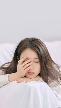 """オルチャンメディア on Twitter: """"🇰🇷IUのファンが載せた高画質な【ロック画面】📱♥️ . . スマホを開くたびに、綺麗なIUが迎えてくれるなんて幸せ😇✨♥️ . . #韓国 #kpop #IU #オルチャンメディア… """" Kpop Girl Groups, Kpop Girls, Korean Beauty, Asian Beauty, Foto Snap, Korean Celebrities, Celebs, Korean Girl, Asian Girl"""