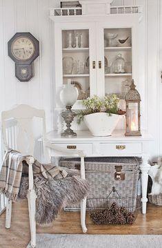 Jeg er glad i å ommøblere og skifte ut møbler...men noen møbler kjenner man bare at man skal...