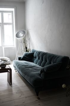 Bedroom Inspo, Lounge, Smooth, Couch, Furniture, Home Decor, Chair, Airport Lounge, Drawing Rooms