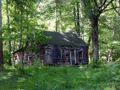 Abandoned Very old cabin in Ellijay Georgia
