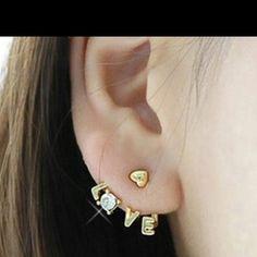 cute earrings!!!! :)