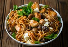 Spicy Chicken, Tomato and Spinach Spaghetti with Mushrooms and Feta