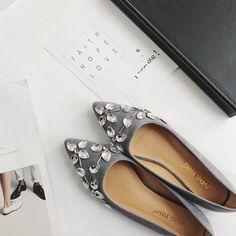 $14.99 (Buy here: https://alitems.com/g/1e8d114494ebda23ff8b16525dc3e8/?i=5&ulp=https%3A%2F%2Fwww.aliexpress.com%2Fitem%2F2017-Spring-Flat-Heel-Shoes-Women-Pointed-Toe-Rhinestone-Flats-Fashion-Shallow-Mouth-All-Match-Sexy%2F32794431066.html ) 2017 Spring Flat Heel Shoes Women Pointed Toe Rhinestone Flats Fashion Shallow Mouth All Match Sexy Flats for just $14.99