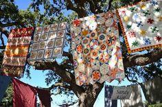 Outdoor quilt show display