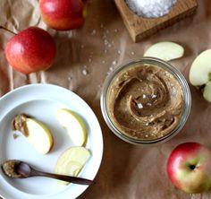 Raw Salted Caramel Apple Dip