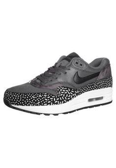 Nike Sportswear AIR MAX 1 - Tenisówki i Trampki - dark grey/black/white za 549 zł (24.03.15) zamów bezpłatnie na Zalando.pl.
