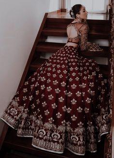 Indian Bridal Outfits, Pakistani Bridal Wear, Indian Designer Outfits, Indian Dresses, Designer Dresses, Lehenga Designs Simple, Wedding Lehenga Designs, Designer Sarees Wedding, Indian Bridesmaids