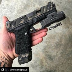 """647 次赞、 9 条评论 - LoKi_Tactical (@loki_tactical) 在 Instagram 发布:""""GO FOLLOW @pixelsandpews he lost 40k followers. Let's help him get back there! #Repost…"""""""