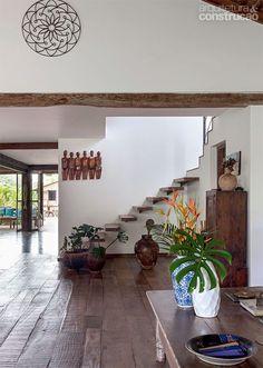 floor/stairs...Casa na Bahia encanta com lounge ao ar livre e cozinha gourmet - Casa