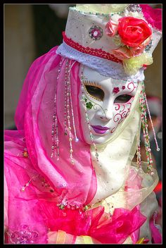 Masks and costumes, Venice Carnival, 2011 - Images from Italy ...