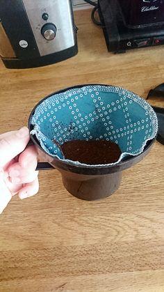 Kaffefilter i tyg är något jag sett flera gånger i sygrupper på facebook och jag blev sugen på att testa själv. Jag tog ett kaffefilter i ...