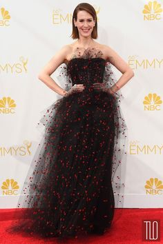 Sarah Paulson at the Emmys - this is ten pounds of wackadoo in a five pound bag, but i love it.