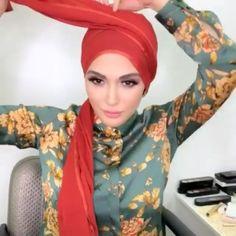 Hijab Turban Style, Turban Outfit, Mode Turban, Hijab Style Dress, Scarf Tutorial, Hijab Tutorial, Hair Wrap Scarf, Head Scarf Styles, Muslim Dress