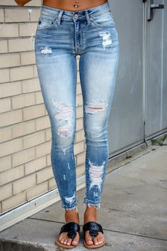 Star of the Show Distressed KanCan Jeans - Simply Me Boutique SMB – Simply Me Boutique Girls Ripped Jeans, Ripped Skinny Jeans, Distressed Skinny Jeans, Skinny Fit, Casual Jeans, Casual Outfits, Cute Outfits, Fashion Outfits, Girly Outfits