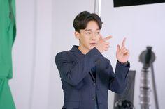 [Vyrl] SMTOWN_NOW : EXO Lotte Duty Free AD - PART1 EXO가 롯데 면세점 광고 촬영 현장에서팬들에게 보내는 소소한 선물!