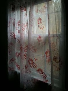 Blood-Stained Curtains..but doing it for a table cloth! …