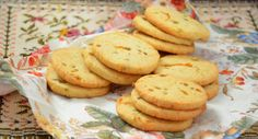 Lemon And Ginger  לימון וג'ינג'ר: בלוג אוכל ישראלי: משהו טעים: עוגיות תפוז וצימוקים