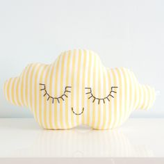 DIY Cloud Pillow--I think I could do this!