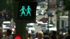 There's Pride, World Pride, and Madrid World Pride! Changing traffic lights icons to same sex couples is a first, and it's awesome! #MadridWorldPride #VisitGaySpain #ILoveGayMadrid