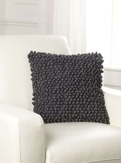 Looped cushion 40 x 40 cm - Cushions | Simons