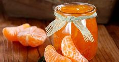 Homemade clementine jam, the gourmet Christmas recipe Orange Recipes, Clementine Jam, Smoothie Shop, Confort Food, Salad Sauce, Rainbow Food, Jam And Jelly, Fruit Snacks, Fruit Compote