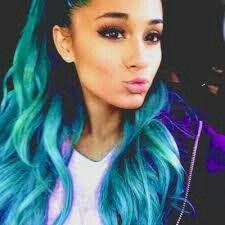 Arianna looks like katy perry with blue hair
