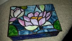 Flowers,water lily with lily pads. Stained Glass Ornaments, Stained Glass Paint, Stained Glass Flowers, Stained Glass Designs, Stained Glass Projects, Stained Glass Patterns, Stained Glass Windows, Leaded Glass, Mosaic Glass