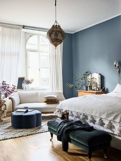 Minimalism meets maximalism in this new take on bohemian decor. Step inside the whimsical apartment of interior designer Amelia Widell, where vintage finds, sleek furniture, warm textures and playful colours create a unique look with an international feel Blue Bedroom Decor, Bedroom Colors, Home Bedroom, Bedroom Ideas, Design Bedroom, Master Bedroom, Bedroom Furniture, Bed Design, Jewel Tone Bedroom