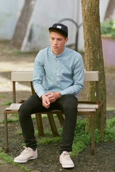 1000+ images about Gentlemen in vans on Pinterest | Vans outfit Van and White jeans for men
