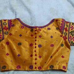 Hand Work Blouse Design, Fancy Blouse Designs, Bridal Blouse Designs, Saree Blouse Designs, Coordination Des Couleurs, Kutch Work Designs, Mirror Work Blouse, Indian Designer Wear, Lehenga