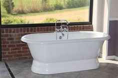 Availability: Usually Ships within 7 Business Days Description Acrylic 66 Inch Traditional Pedestal Tub Featuring a double end pedestal design, the Majesty marries a modern contemporary feel with the