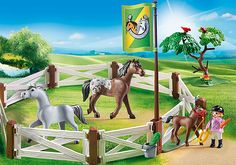 The Horse paddock gate can be locked Play Mobile, Playmobil Country, Collection Playmobil, Horse Paddock, Barbie Doll Accessories, Mario Kart, Legoland, Barbie Dolls, Playroom