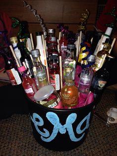 birthday idea someone make me this 21st Birthday Basket, 21st Birthday Gifts, Birthday Fun, Birthday Parties, Birthday Ideas, Holiday Parties, Holiday Fun, 21st Bday Ideas, Cake Day
